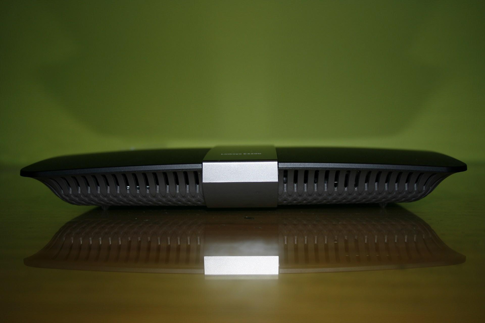 Cisco Linksys E4200 : Análisis a fondo de este router neutro Gigabit