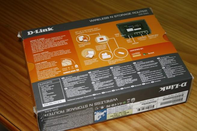 Vista trasera de la caja del D-Link DIR-685