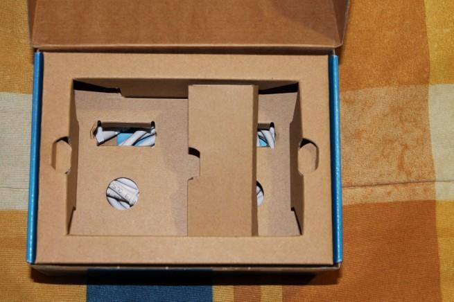 Falso fondo de la caja de los FRITZ! Powerline 500e Set