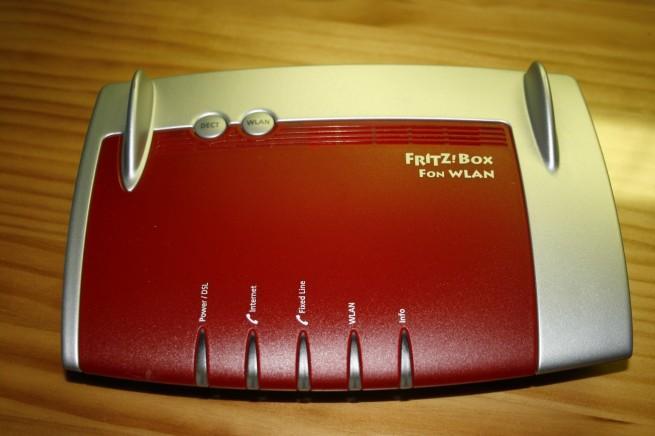 Aspecto exterior del router FRITZ!Box Fon WLAN 7390