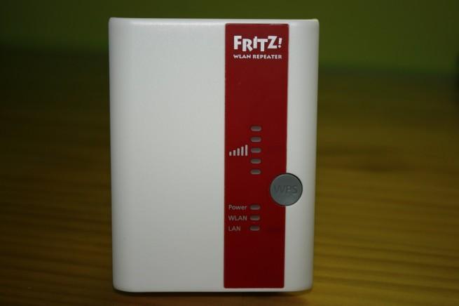 Visión frontal del FRITZ!WLAN Repeater 300E