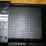 Vista inferior del Cisco Linksys WAP300N