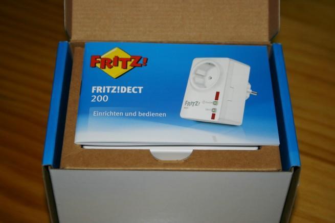 Vista del interior de la caja del FRITZ!DECT 200