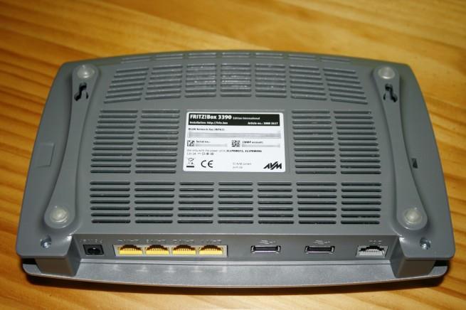 Vista inferior del router FRITZ!Box 3390