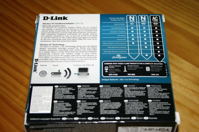 Vista trasera d ela caja del D-Link DWA-182