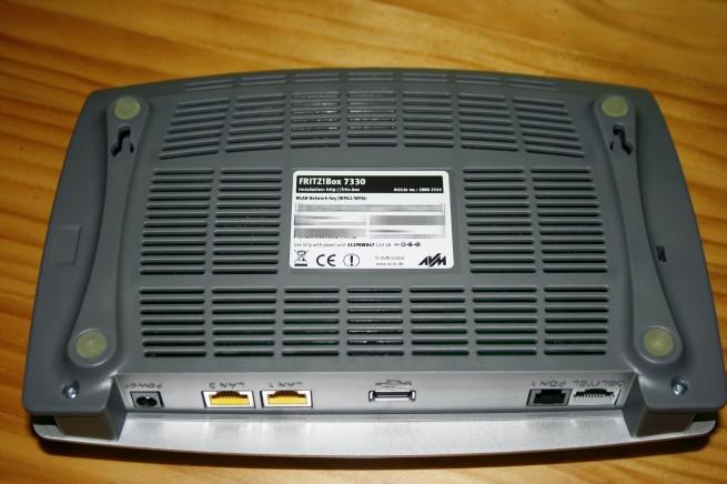 Vista inferior del router FRITZ!Box 7330