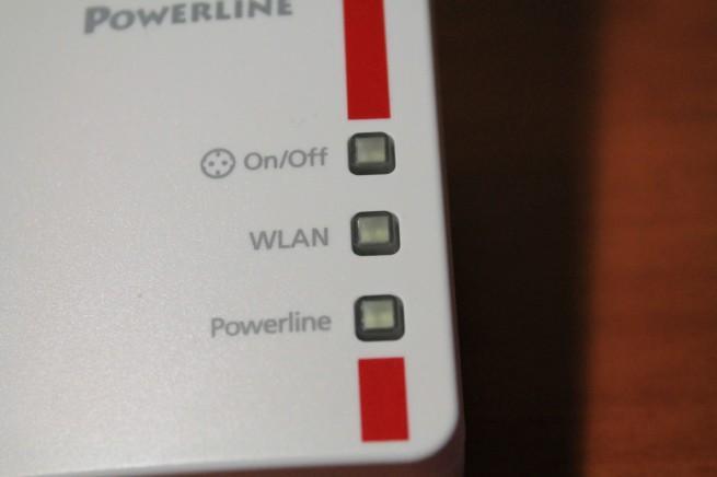Detalle de los botones e indicadores LED del FRITZ! Powerline 546E