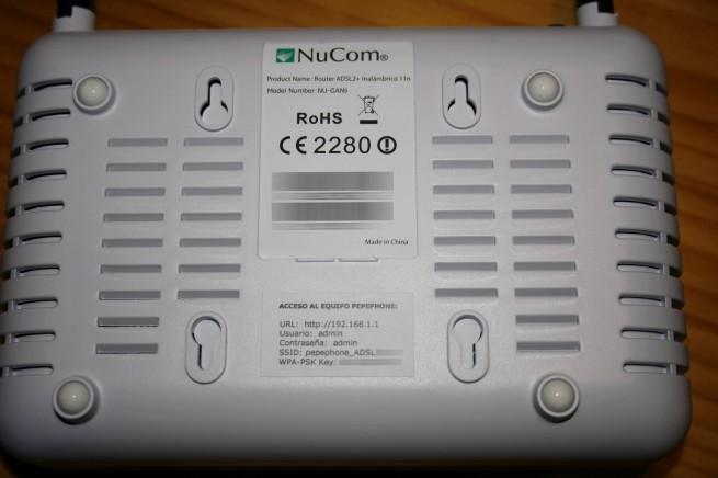 Vista inferior del router NuCom NU-GAN5 de Pepephone