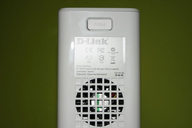 Vista del ventilador del D-Link DNS-327L