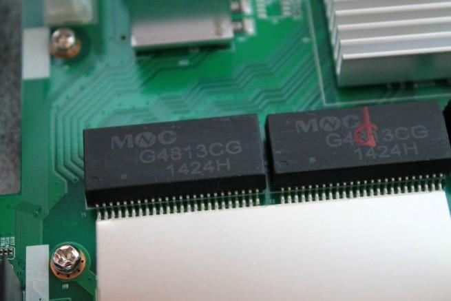 Imagen de los transformadores de los puertos de red del Edimax GS-1008P