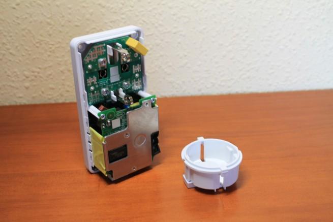 Enchufe eléctrico del PLC D-Link DHP-P601AV separado de la placa