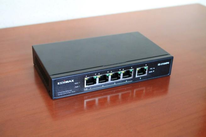 Imagen del switch Edimax ES-5104PH