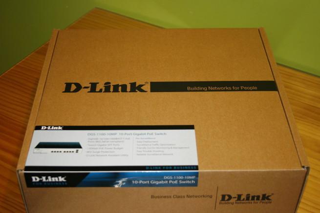Frontal de la caja del switch D-Link DGS-1100-10MP