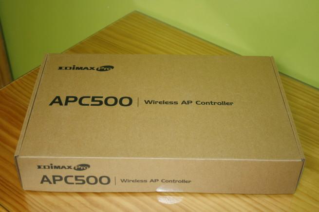 Frontal de la caja del controlador Edimax APC500