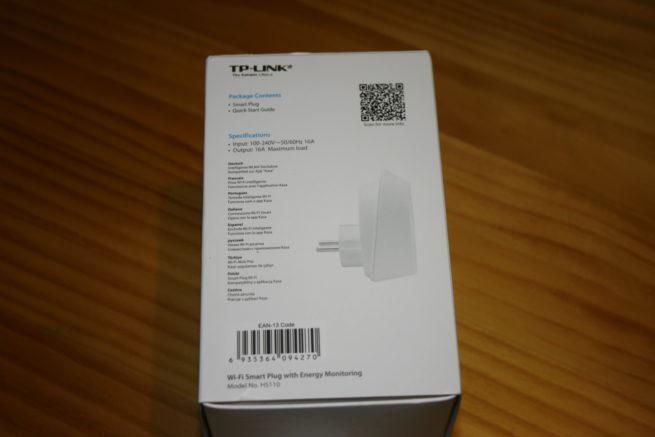 Lateral de la caja del enchufe inteligente TP-LINK HS110