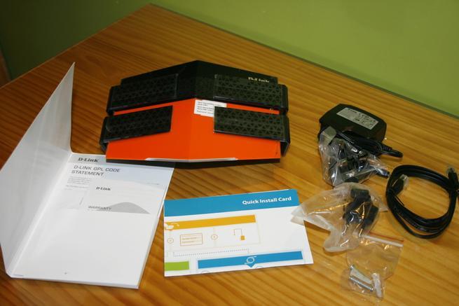 Contenido de la caja del router D-Link DIR-869 EXO AC1750