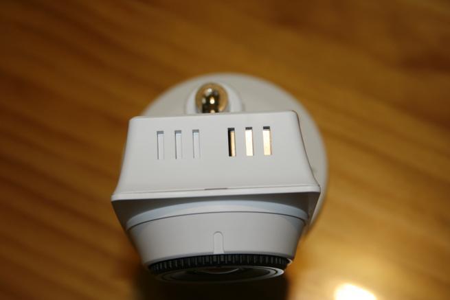 Parte superior de la cámara IP D-Link DCS-2210L