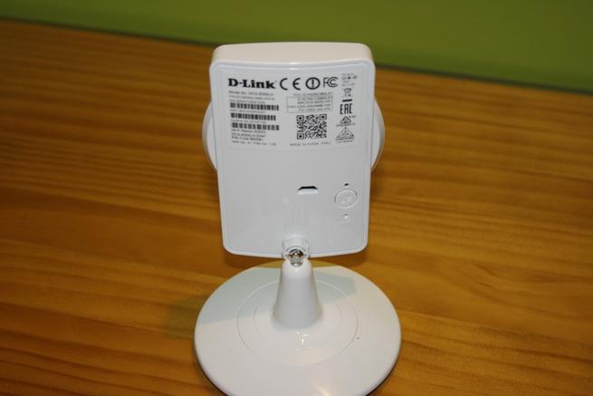 Trasera de la cámara IP D-Link DCS-8200LH en detalle