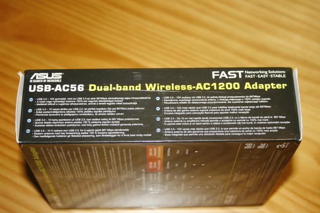Lateral de la caja de la tarjeta Wi-Fi ASUS USB-AC56