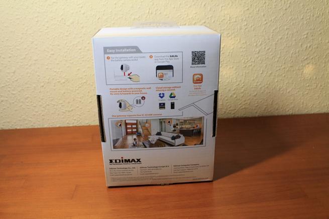 Trasera de la caja de la cámara Edimax IC-3210W