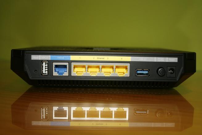 Trasera del router Wi-Fi TP-Link Archer C3200