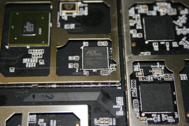 Chipset para gestionar las tres bandas de frecuencias