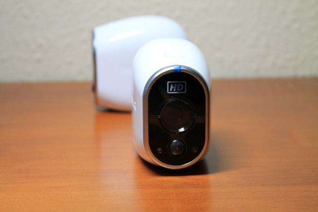 Frontal de las cámaras IP NETGEAR Arlo VMS3230