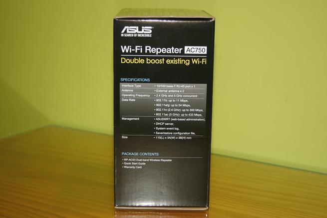 Lateral izquierda del repetidor Wi-Fi ASUS RP-AC53