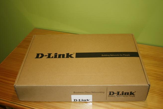 Frontal de la caja del switch profesional 10G D-Link DXS-1100-10TS