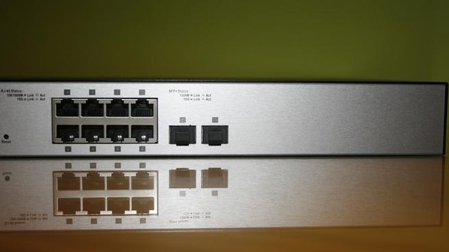 Puertos 10G Ethernet y puertos SFP+ del switch 10G D-Link DXS-1100-10TS