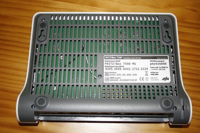 Rejillas de ventilación y pegatina del router de alto rendimiento FRITZ!Box 7590