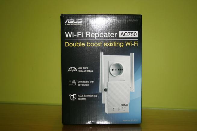 Frontal de la caja del repetidor Wi-Fi ASUS RP-AC51