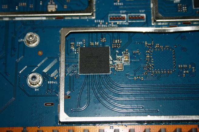 Vista del chipset Wi-Fi Broadcom BCM4366EKMMLG en detalle