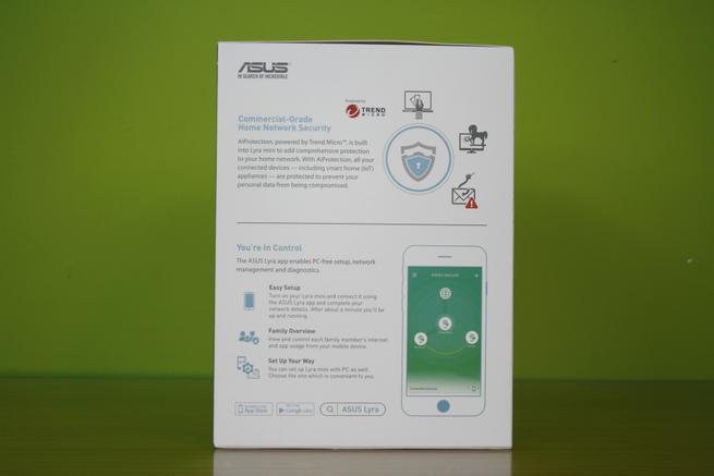Lateral derecho de la caja del sistema Wi-Fi mesh ASUS Lyra Mini