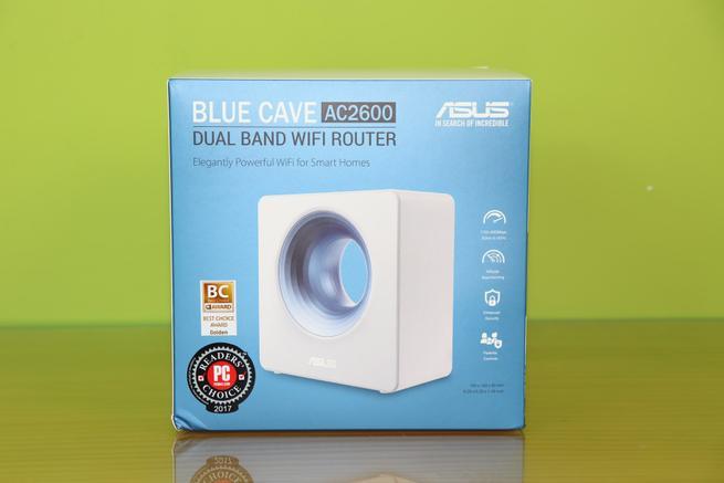 Zona trasera de la caja del router ASUS Blue Cave
