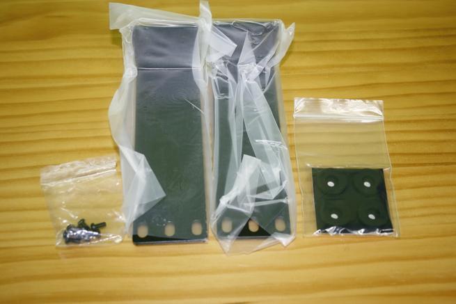 Soportes para enrackar el switch 10Gigabit Edimax XGS-5008