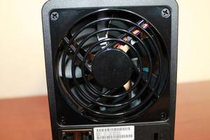 Ventilador trasero del NAS Synology DS718+