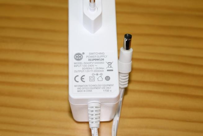 Transformador de corriente del router FRITZ!Box 6590 Cable