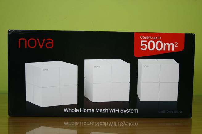 Frontal de la caja del sistema Wi-Fi Mesh Tenda NOVA MW6 en detalle