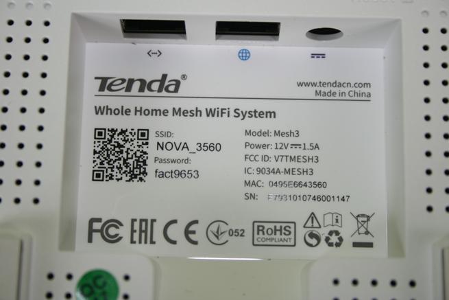 Nodo Tenda NOVA MW6 con la pegatina de características