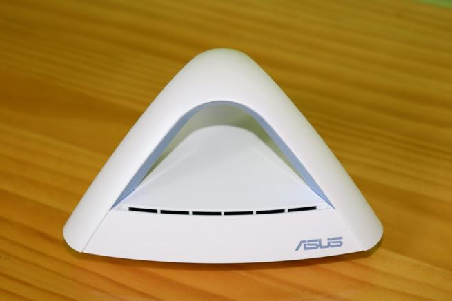 Frontal del nodo ASUS Lyra Trio MAP-AC1750