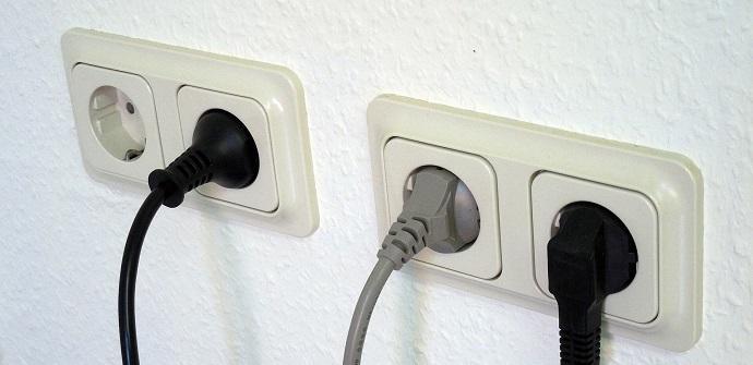 Cómo ahorrar en la factura d ela luz gracias a los enchufes eléctricos inteligentes