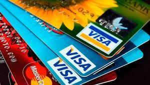 Nunca te separes de tu tarjeta de crédito. Así de fácil roban las tarjetas en los comercios cuando las dejas para pagar