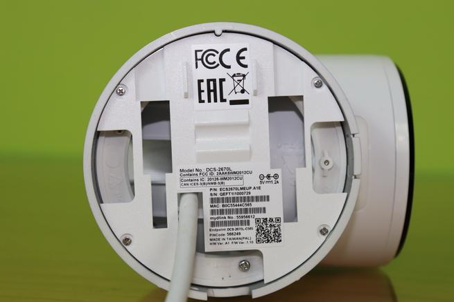 Zona inferior de la cámara IP D-Link DCS-2670L en detalle