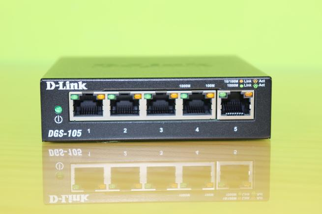 Frontal del switch no gestionable D-Link DGS-105