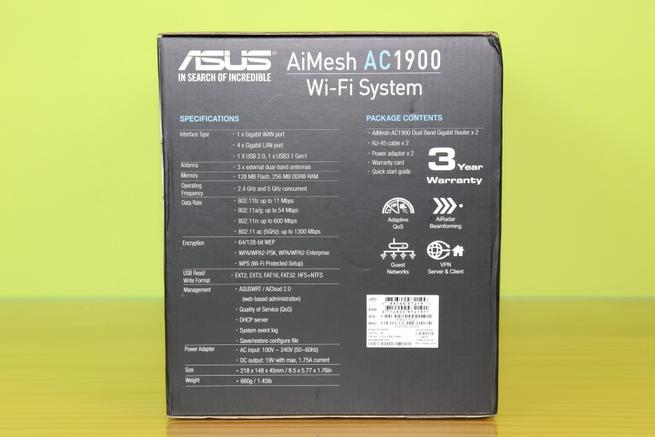 Lateral izquierdo del sistema Wi-Fi Mesh ASUS RT-AC67U