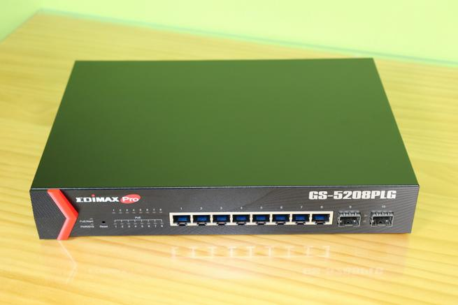 Frontal del switch gestionable Edimax GS-5208PLG