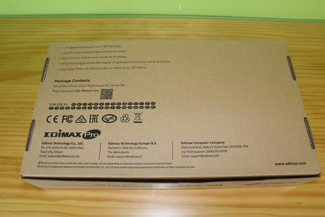 Trasera de la caja del switch gestionable Edimax GS-5424G