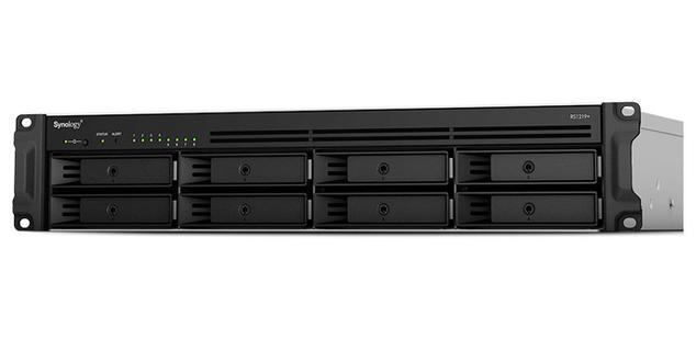 Synology RackStation RS1219 apertura