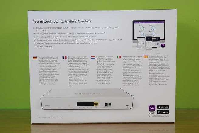 Trasera de la caja del router profesional NETGEAR Insight Instant VPN Router BR500 en detale